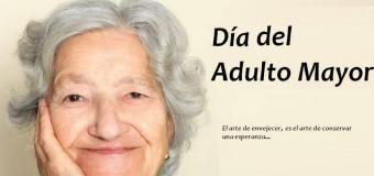 MUNICIPALIDAD DISTRITAL DE TORATA RINDE HOMENAJE AL ADULTO MAYOR EN SU DÍA