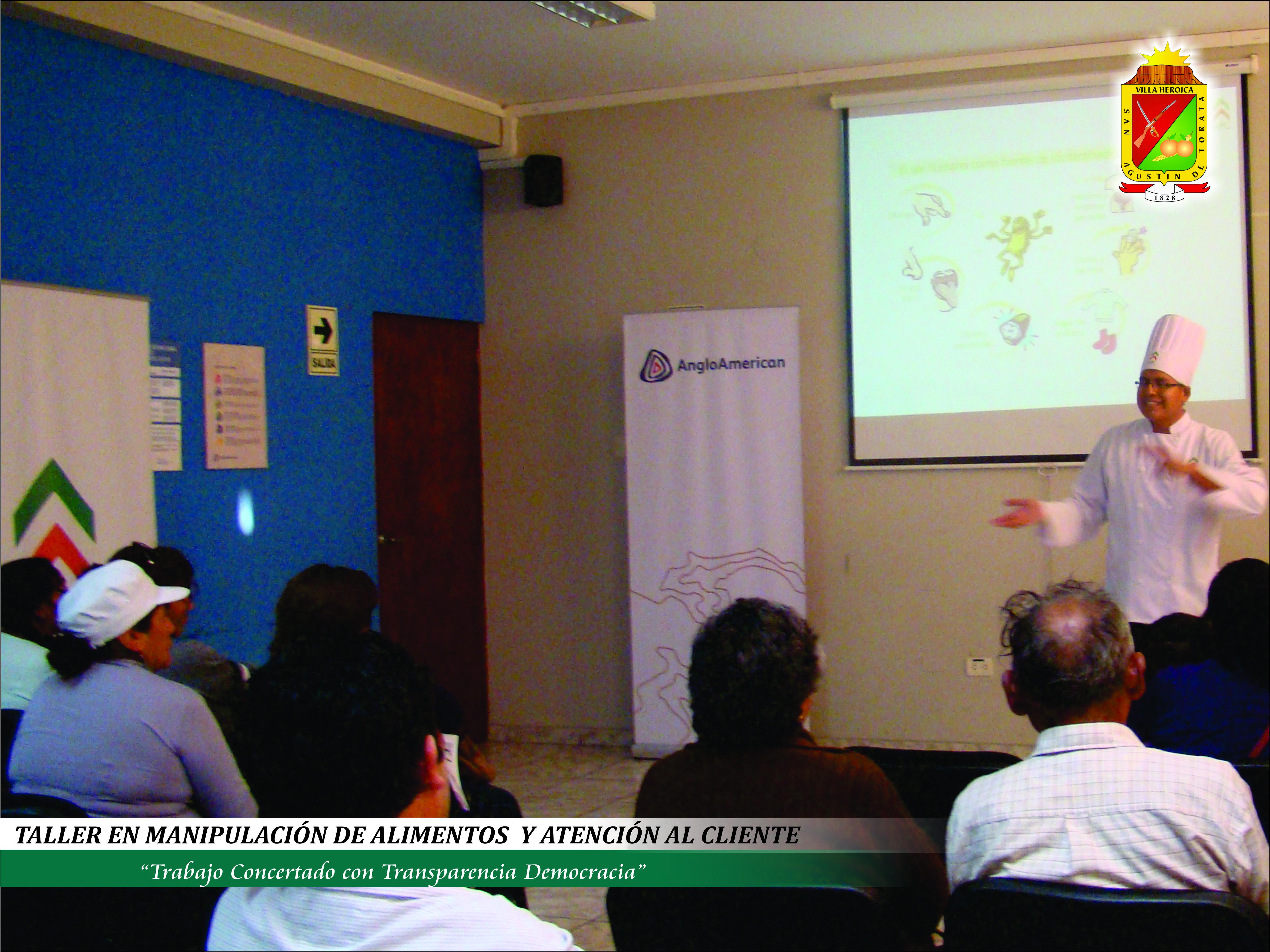PROPIETARIOS DE RESTAURANTES Y PANADERÍAS PARTICIPARON DE TALLER EN MANIPULACIÓN DE ALIMENTOS Y ATENCIÓN AL CLIENTE