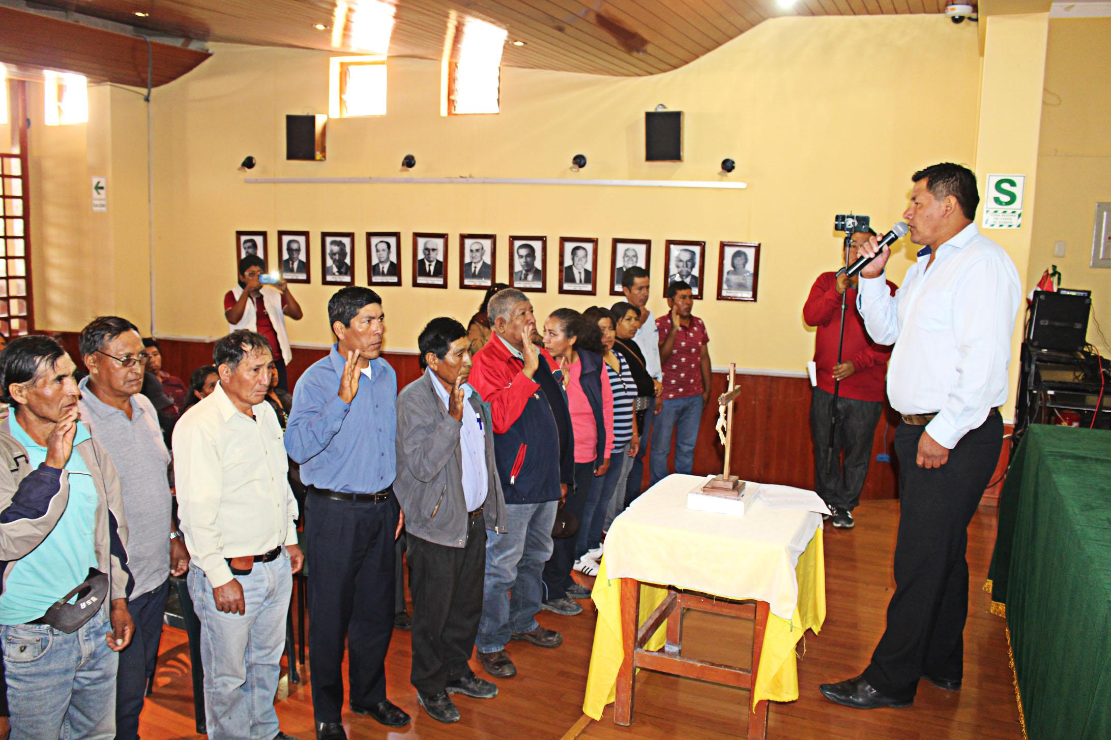 ALCALDE DE TORATA INSTA A JUNTAS VECINALES A TRABAJAR EN PROYECTOS INTEGRALES A FAVOR DEL DISTRITO