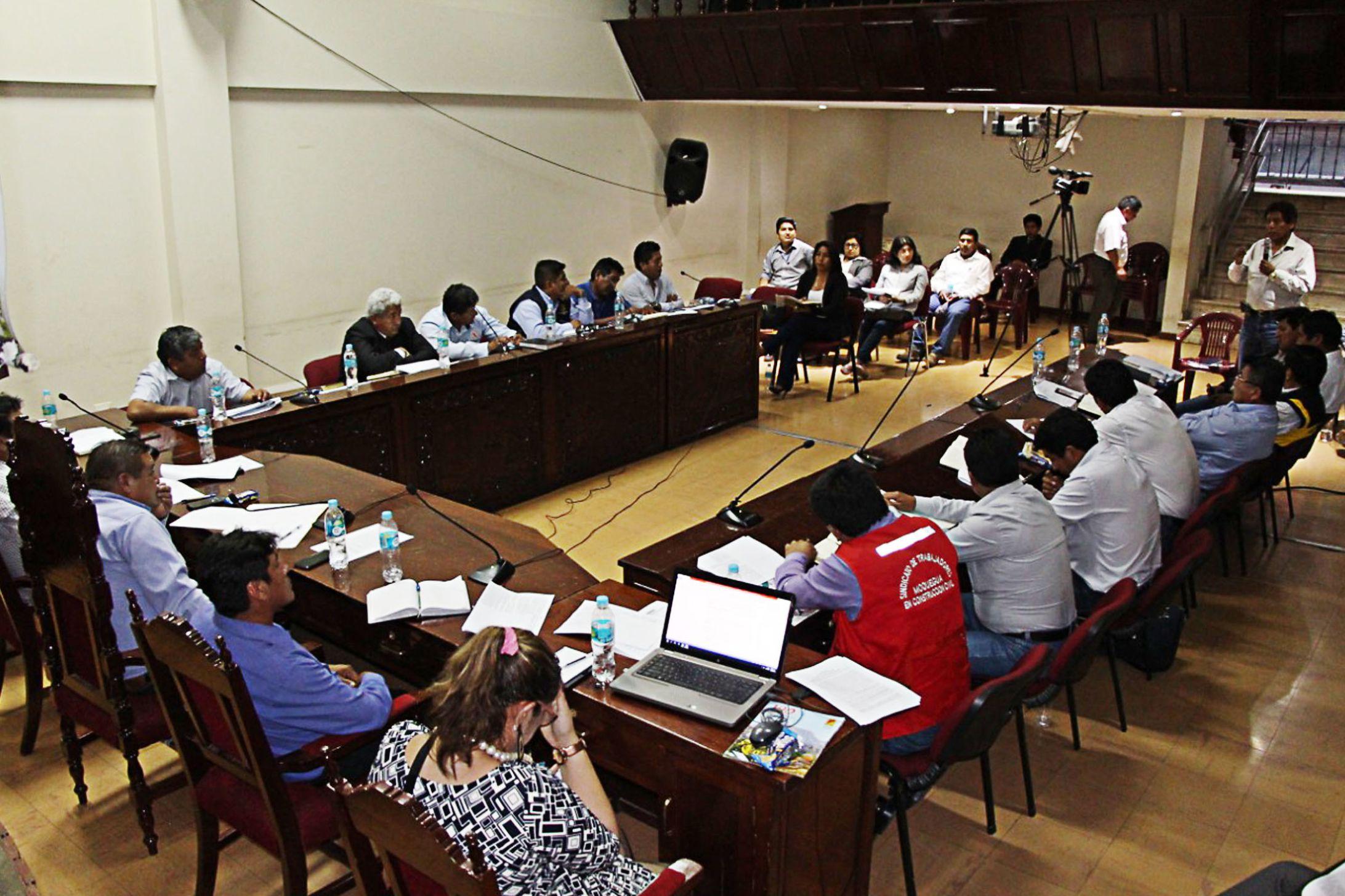 ALCALDE DE TORATA SERÁ PARTE DE LA COMISIÓN PARA EL SEGUIMIENTO DE LOS 26 ACUERDOS DE LA MESA DE DIÁLOGO CON ANGLO AMERICAN