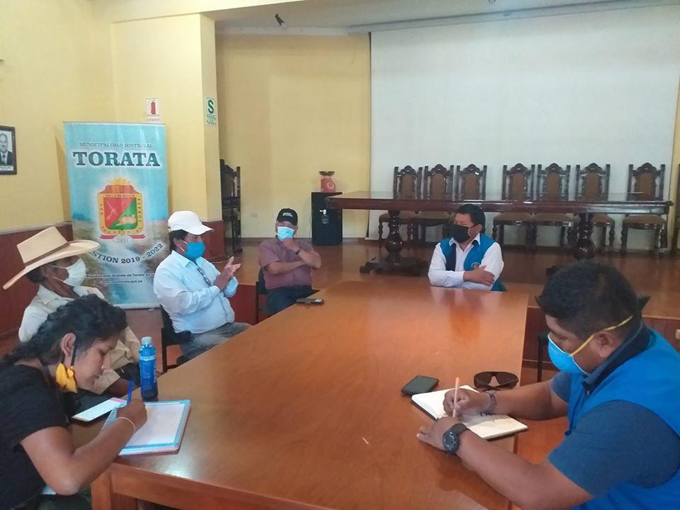 ALCALDE DE TORATA PROPONE ALTERNATIVAS DE APOYO A LOS AGRICULTORES ANTE LA SITUACIÓN DE EMERGENCIA POR EL COVID-19