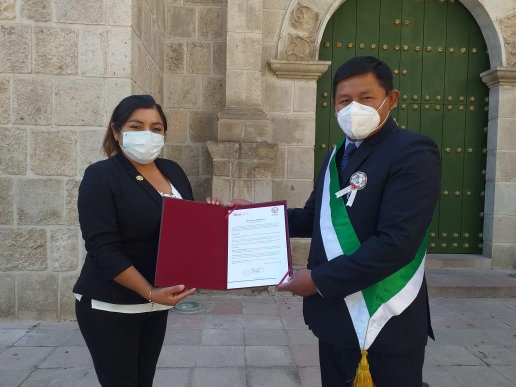ALCALDE HERNAN JUAREZ ENVIA SU MENSAJE CON MAYOR COMPROMISO A FAVOR DE LA AGRICULTURA Y LA SALUD EN EL 192° ANIVERSARIO DE TORATA